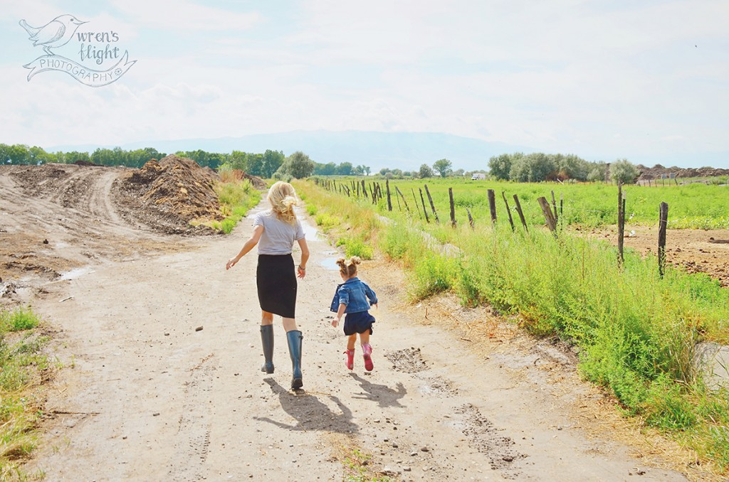 Country Road Summer Mother Daughter Family Photography