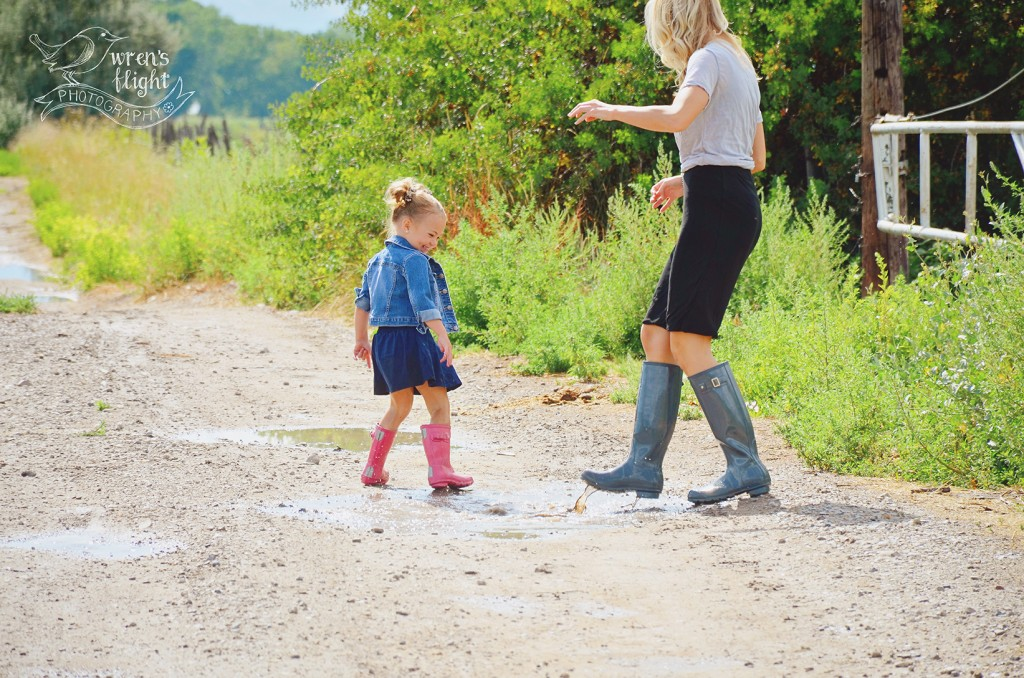 Country Road Summer Mother Daughter Photo Session