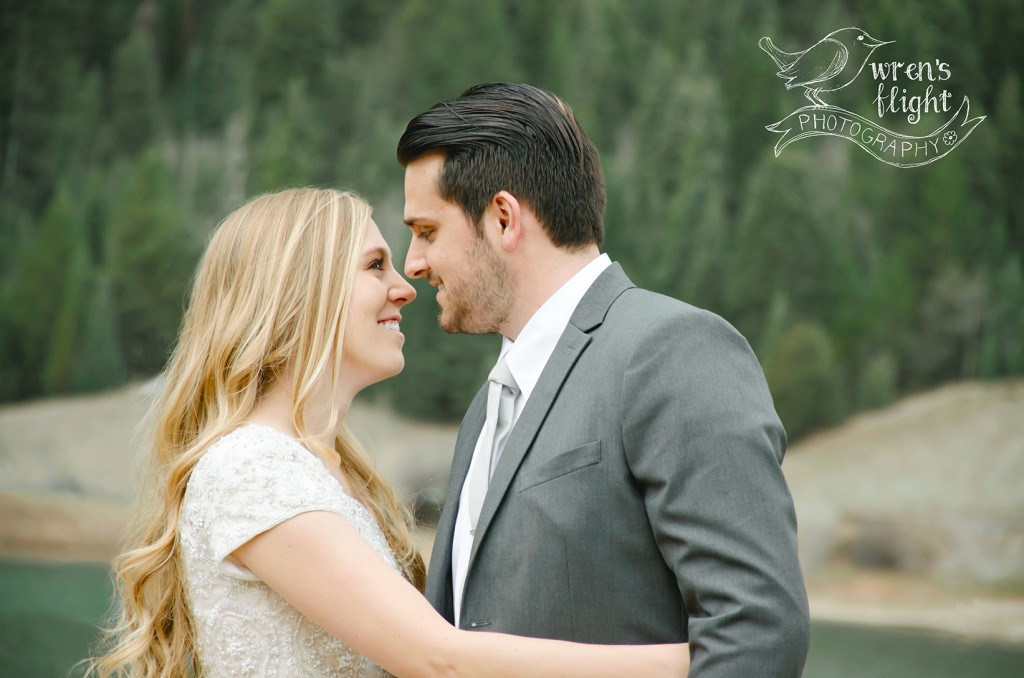 Utah Spring Mountain Lake Groomals
